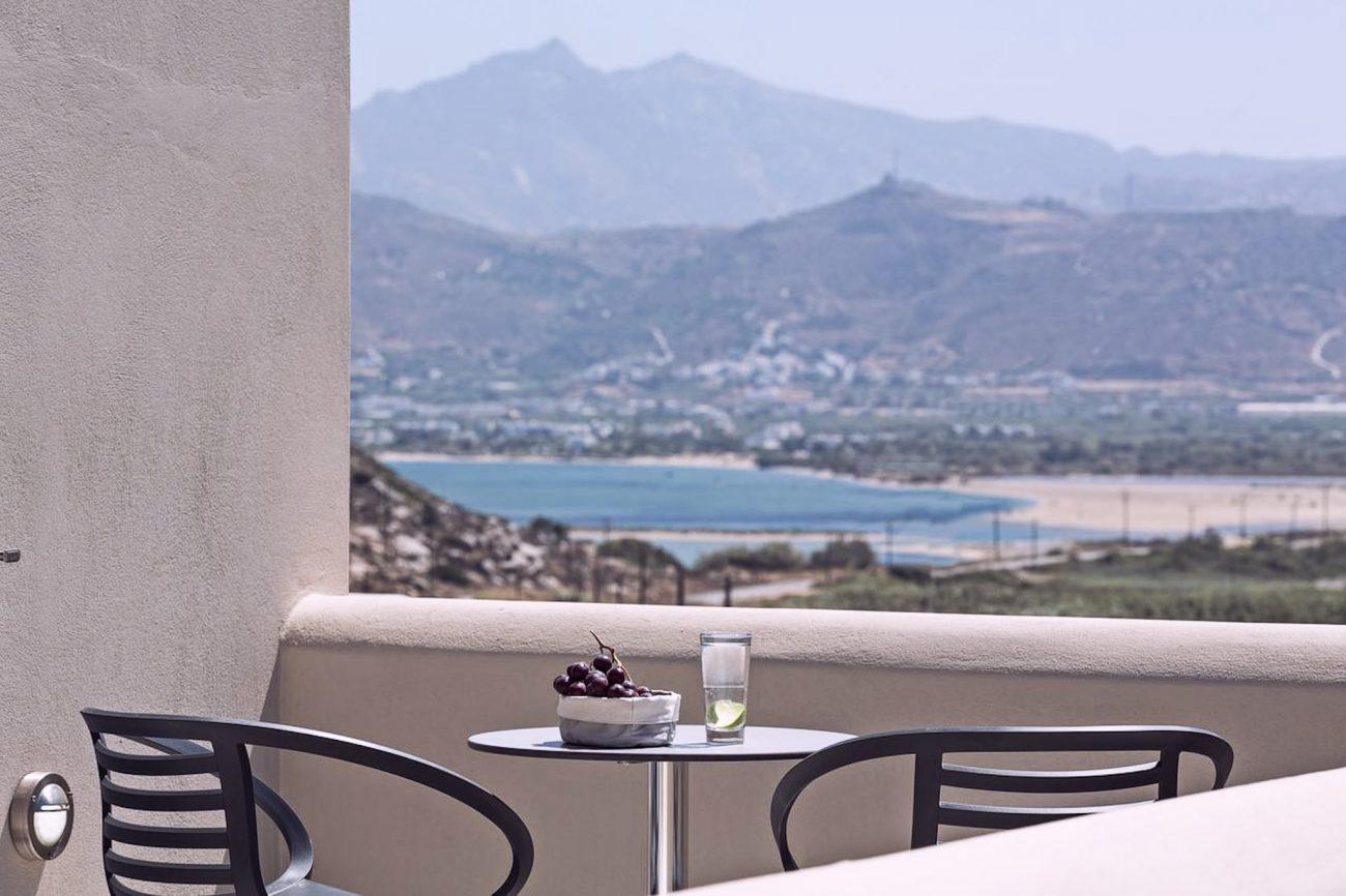 Naxos avec hôtel vue mer