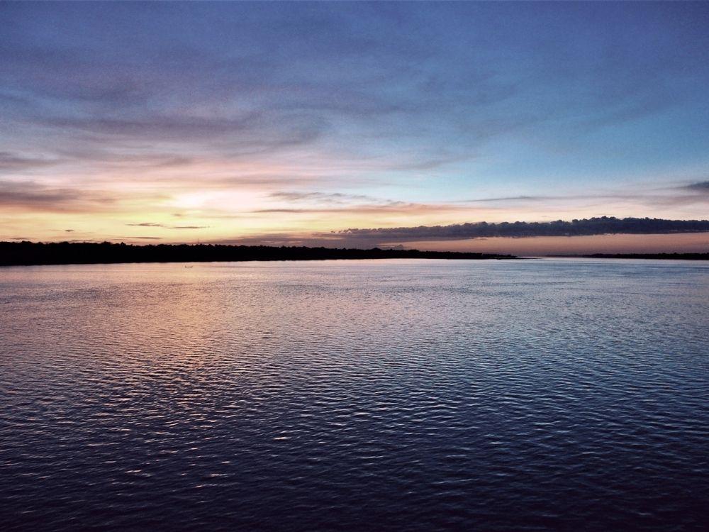 Coucher de soleil sur le Lac Tonle Sap
